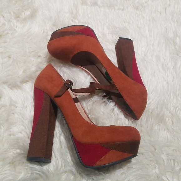 6a62fddb4a0 Candies sz.9.5 rust brown suede 70s style platform